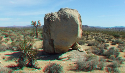Balanced rock on approach