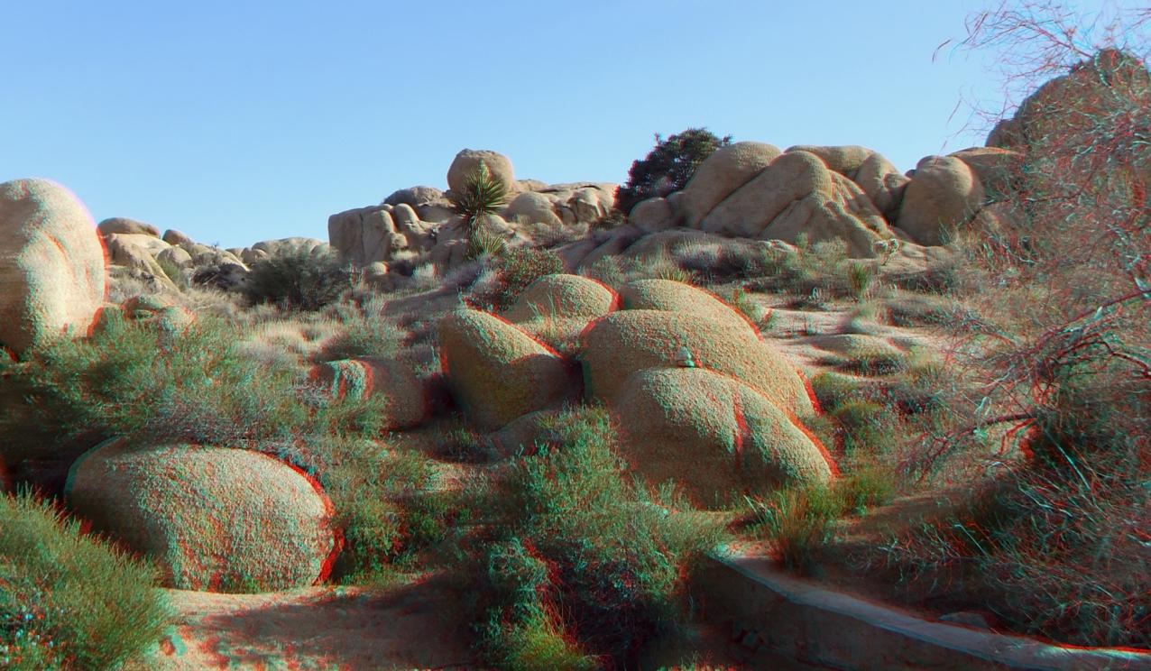 Ivanpah Tank Joshua Tree NP 3DA 1080p DSCF3942