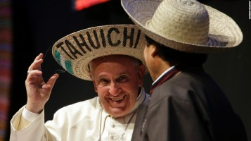 The Pope's hats (5)
