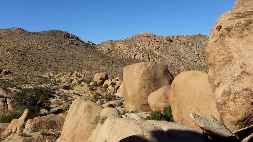 Morongo Man Cliffs at Split Rock DSCF8948